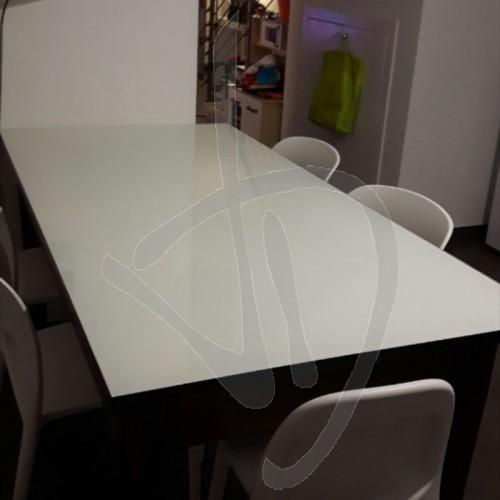 copritavolo-lackiertes-glas-massgeschneidertes