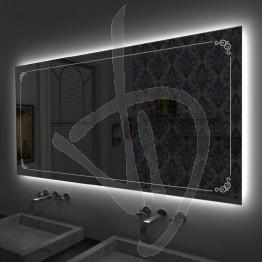 Specchio su misura, con decoro B023 inciso e illuminato e retroilluminazione a led