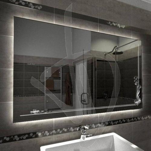 mesure-miroir-avec-une-decoration-et-c023-grave-allume-et-retro-eclairage-led